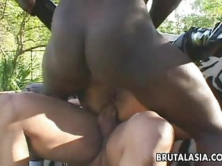 Dudes have a great time double penetrating the bitch