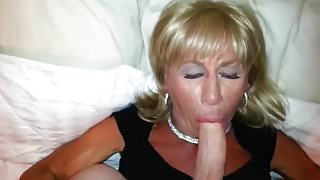 Pauline Loves to Suck Cock