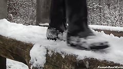 Boot Service in Winter