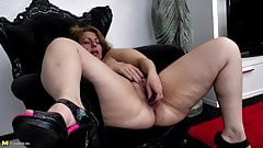Amateur queen mother needs a good fuck