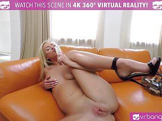 VRBangers.com - Teen Vinna Reed Play With A Dildo VR PORN