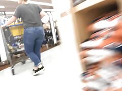 Geeky Pawg chase in Walmart