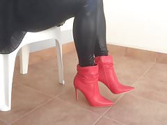 New Red Boots for my leather leggins!!!