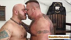 Buff inked bear cumspraying cub in mouth