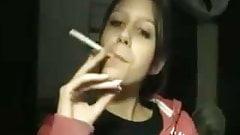 Elizbeth Marlboro Red 100s webcam again