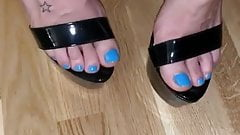 Sexy Blue toes teasing in Black High heels's Thumb