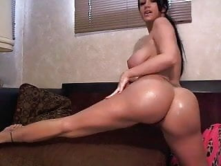 White girl With Phat ass and Big Titties Just Wanna Have Fun