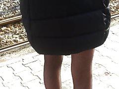 Upskirt woman 7 - young girl fishnet