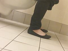 Understall toilet squat