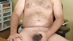 Beefy daddy with fleshlight 170519