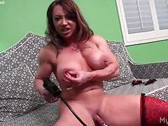 Naked Female Bodybuilder Brandimae Pumps Her Big Clit