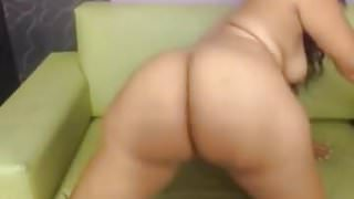 big booty latina shakes it for the camera