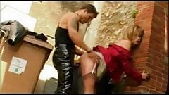 Alley fuck in brown stockings