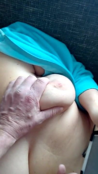 Huge natural boobs bbw with a good view of masturbating pussy