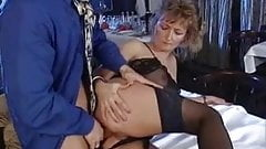 Mature  Oma lingerie anale