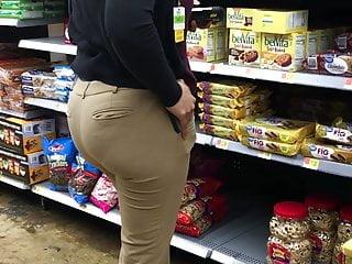 Ebony Walmart Worker Doing Her Thang
