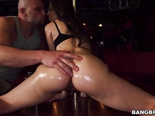 Download video bokep Big booty Alexis Rodriguez gets fucked in strip club Mp4 terbaru