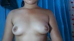 19 YEAR OLD CHINESE GIRL SHOWS HER BOOBS ON CAM