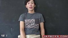 Skinny Asian twinks screwing until its jizz spraying time