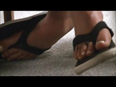 candid brunette college girl feet