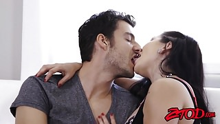 Curvy MILF Lea Lexis gets pussy licked before being pounded's Thumb