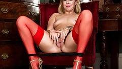 Hot milf cums in her sexy lingerie - Lucy Lauren