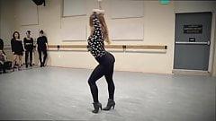 Sexy girls hot dancing