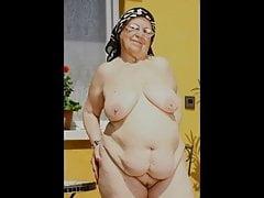Grannies & Aunts Parade - Slideshow