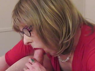 Crossdresser Laura gives a wet and wild blowjob