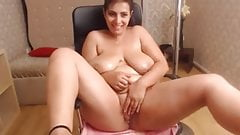 Mature cute saggy tits webcam