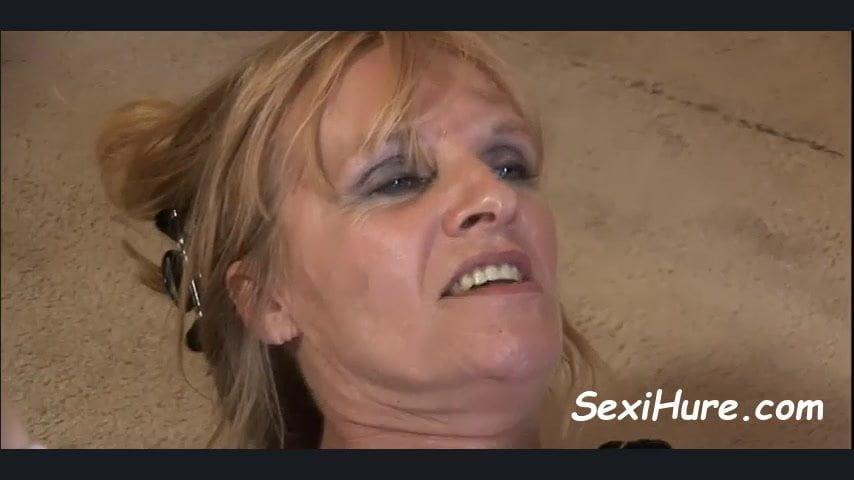 Pflegerin Mosen Sexmaschine Gloryhole