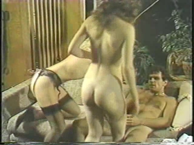 Vintage hairy pussy eating on tanned chick 92%