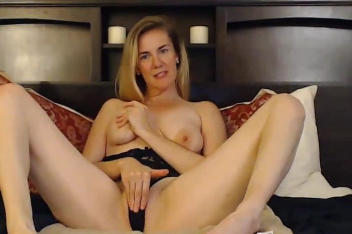 Free download & watch wild blonde hottie with sexy curves fucks herself          porn movies