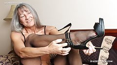 Milf Teases You With Her Feet