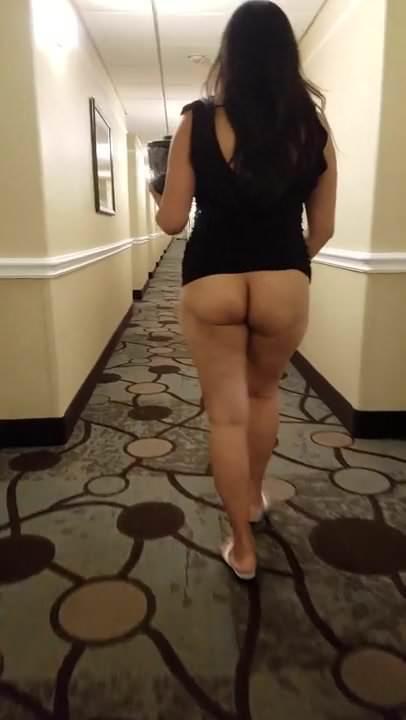 Horny asian masturbate her wet pussy