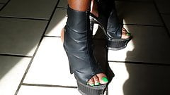 ebony green toenails