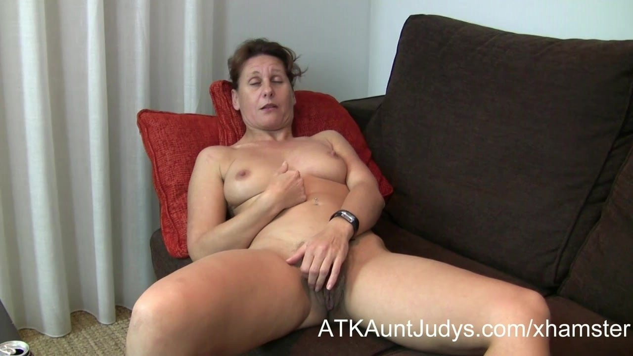 47-Year Old Shy Milf Inge Spreads Her Legs Free Hd Porn 70-5919
