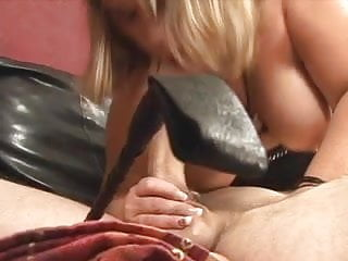Fat bitch deep throats cock and gets fucked