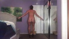 Jiggly naked pawg walking, jumping jacks