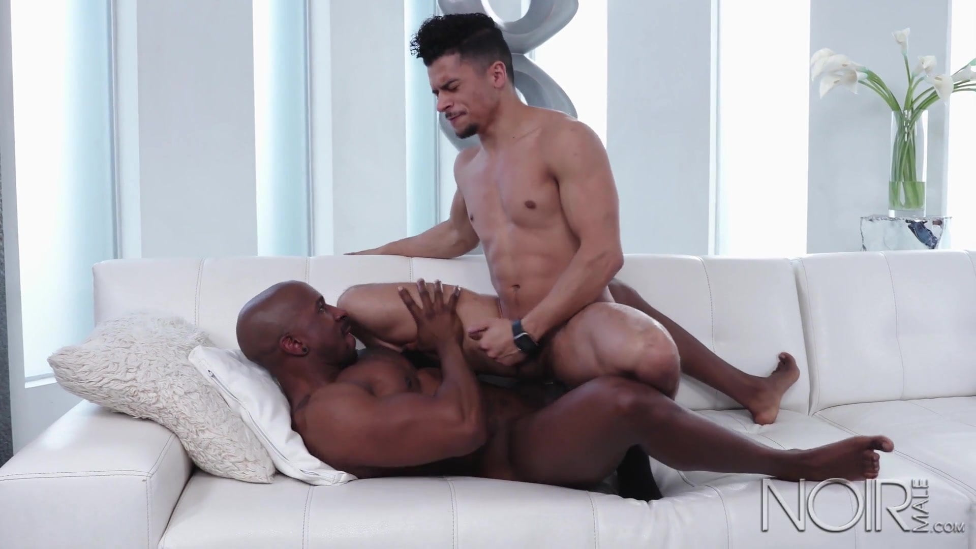 Anal and squirting with flower tucci