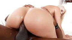 Pawg gets fucked in the ass by a bbc