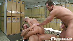 Blonde chick enjoys double penetration at locker rooms.mp4