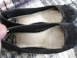 Condom worn - Worn out black flats cummed and worn by stranger