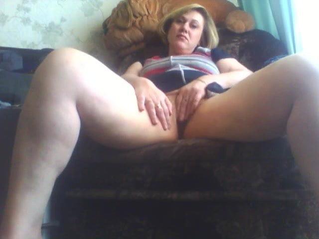 зрелая баба дрочит показывает себя на веб камеру русское - 9