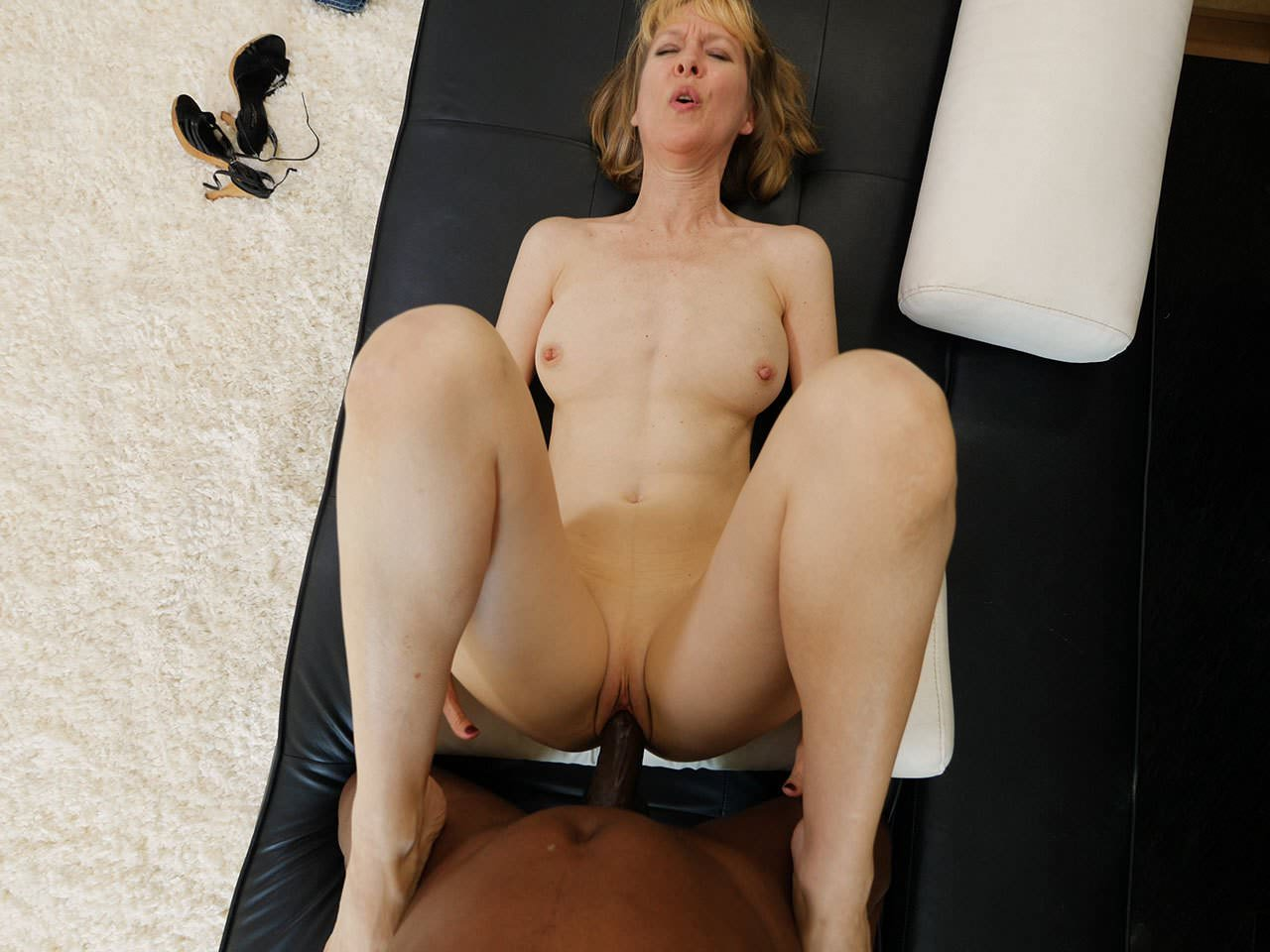 Mature Milf Fucks Young Black Guy, Free Porn 6C Xhamster-4294