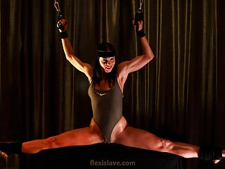 Flexible gymnast+BDSM model posing before tied up + whipped