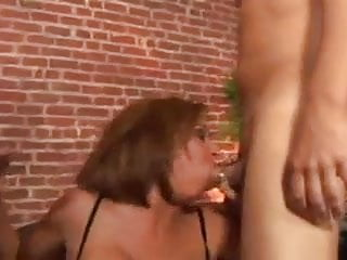 Two hot sluts in a blowbang contest DTD