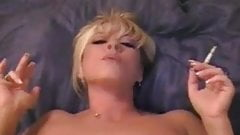 Blonde mateur Erika loves to ride hard dick