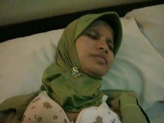 Download video bokep indonesian-jilbab entot di hotel Mp4 terbaru