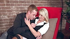 40s lady gets fucked